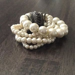 Simply Vera pearl and chain bracelet